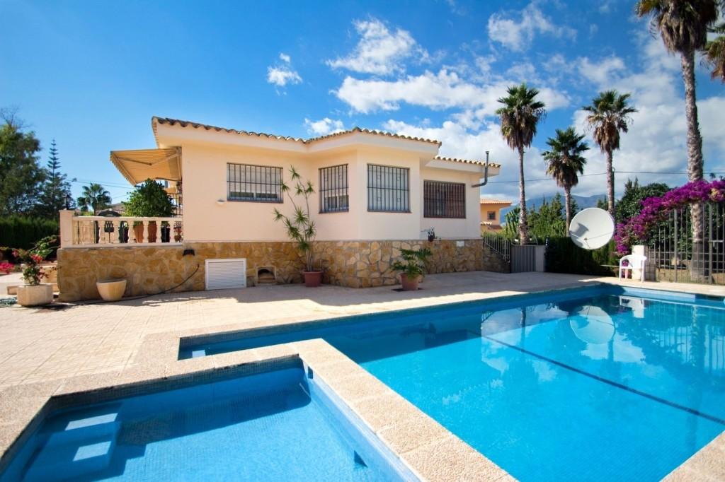 Huizen-Villa te koop in Albir