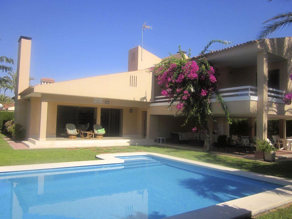 SSG-p1904A: Villa in Torrevieja