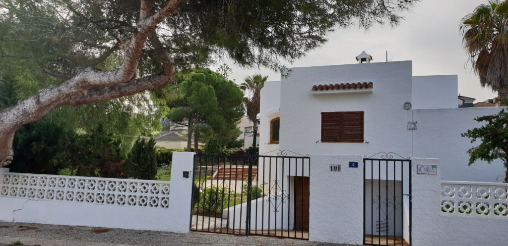 Ref:SSG-p1974 Villa For Sale in La Zenia