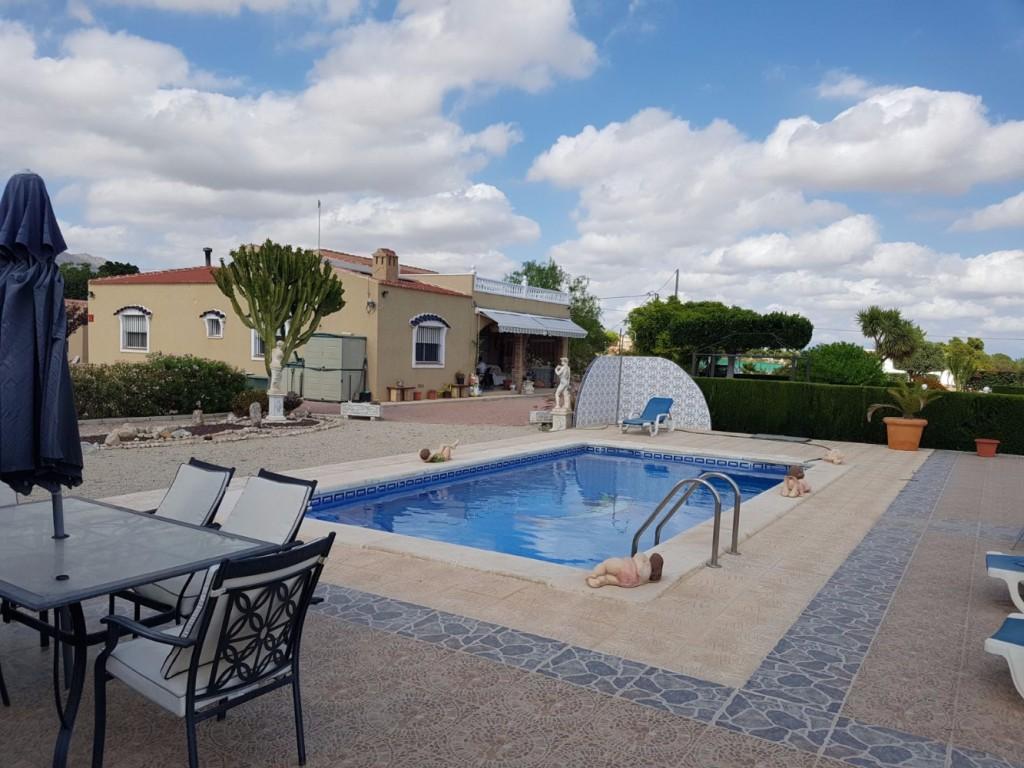 Ref:SSG-p1647 Villa For Sale in Albatera