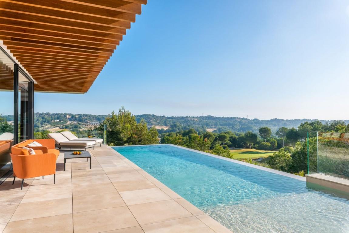Ref:SSG-MAJ12 Villa For Sale in Las Colinas Golf