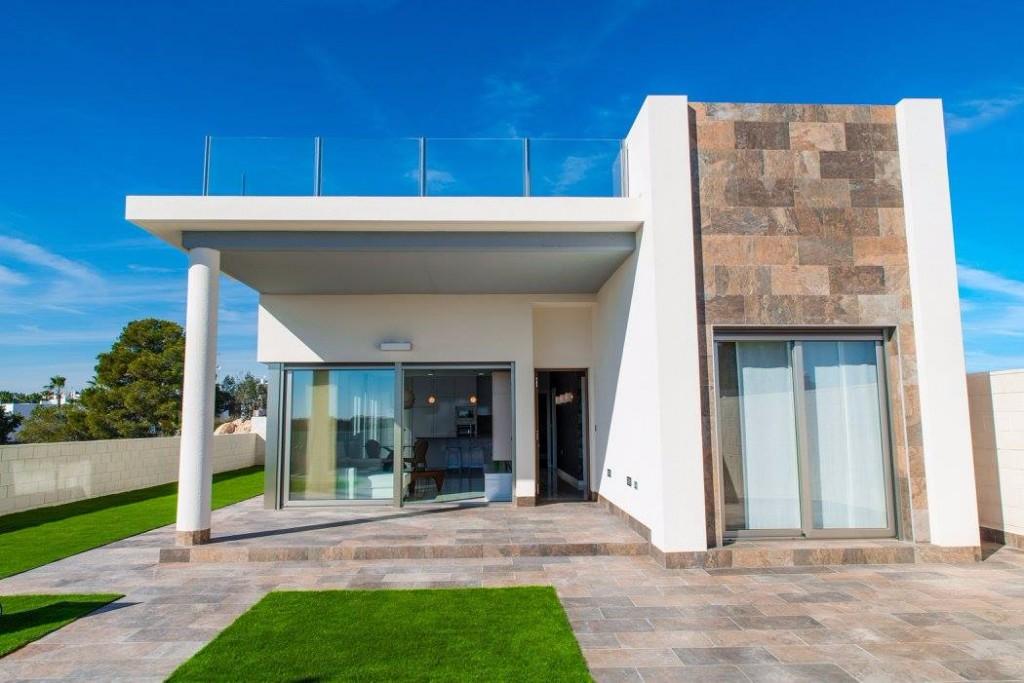 SSG-INV2: Villa in Villamartin