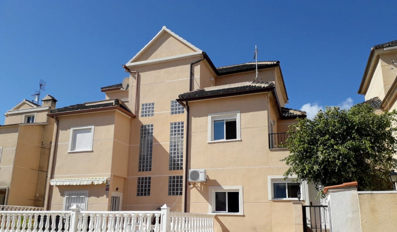 Ref:SSG-p1232 Townhouse For Sale in La Zenia