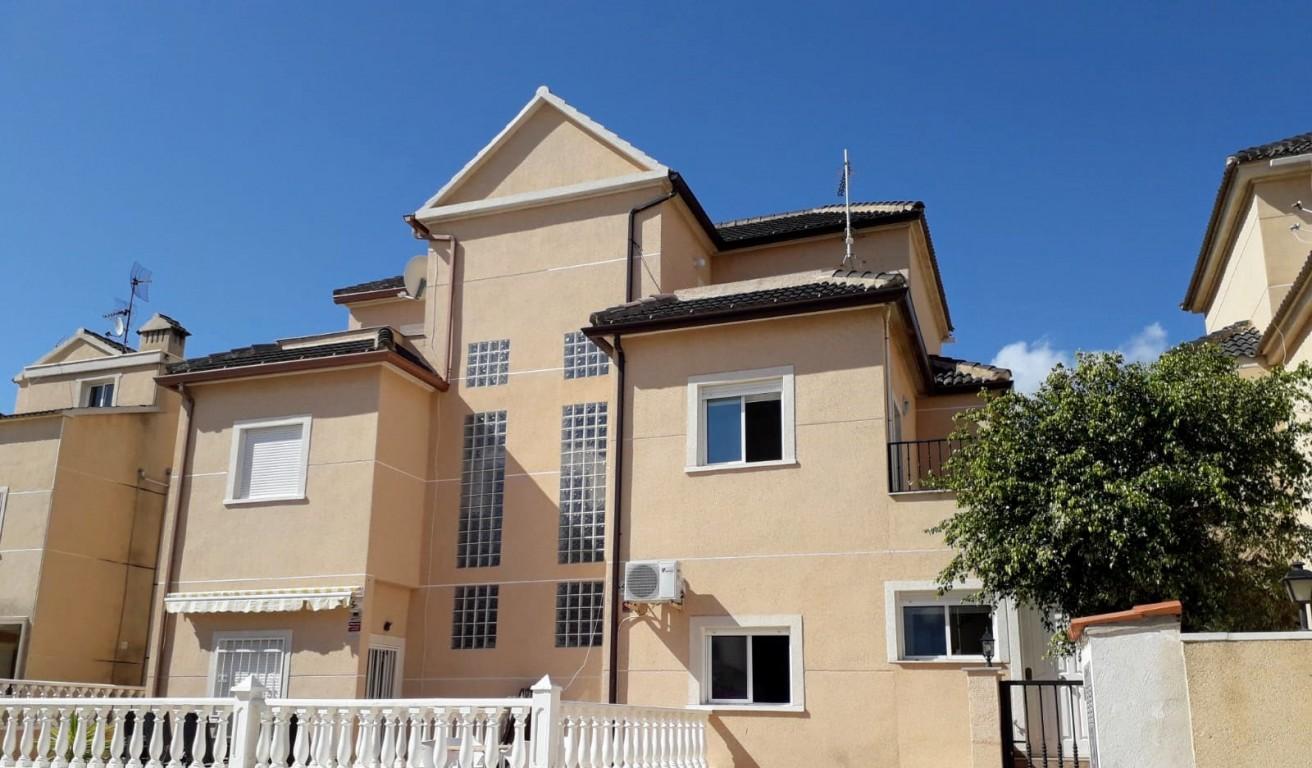 SSG-p1232: Townhouse in La Zenia