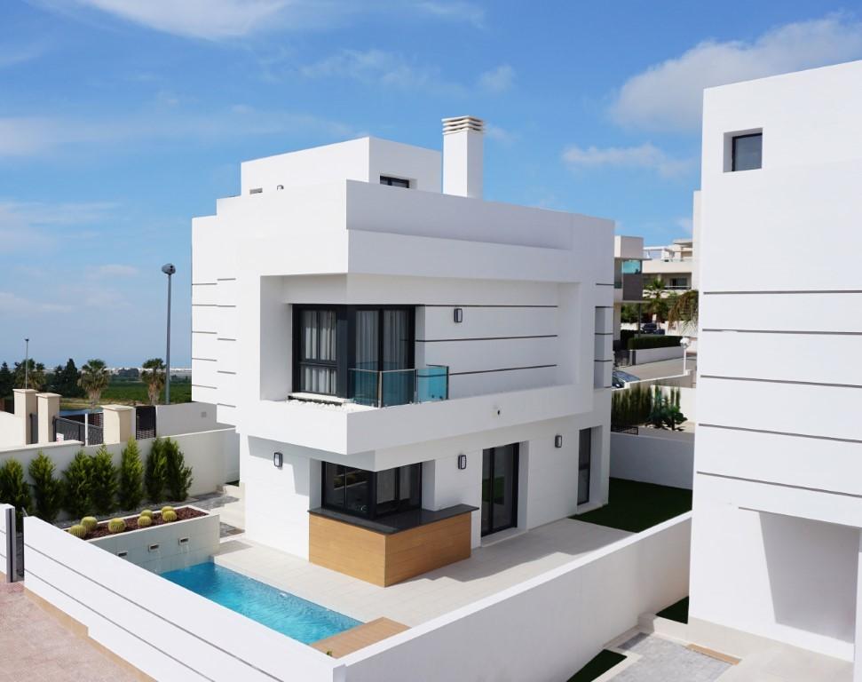 SSG-EUR18: Villa in Ciudad Quesada