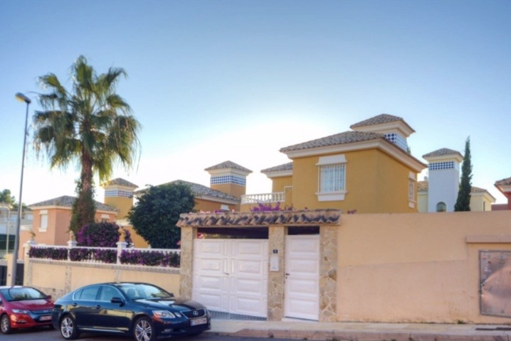 Ref:SSG-P2001 Villa For Sale in Orihuela Costa