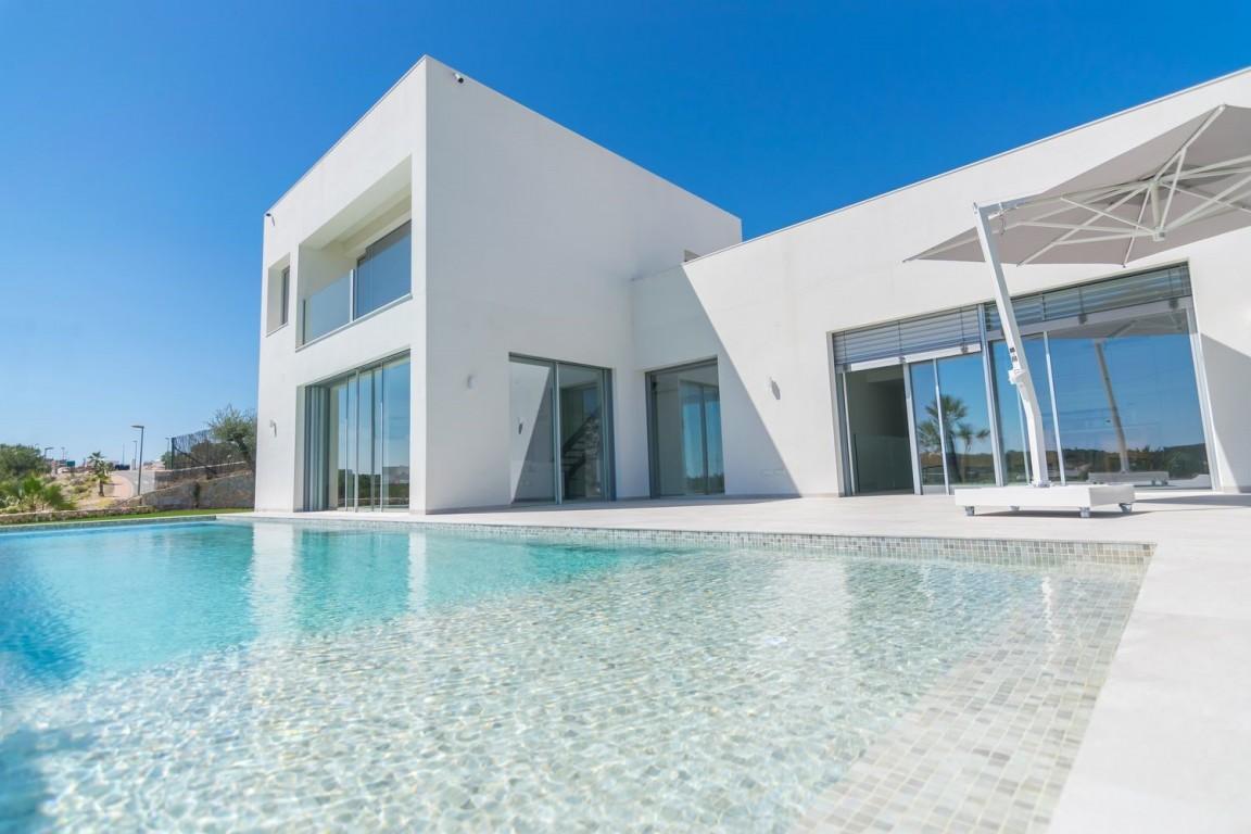 SSG-GSM7: Villa in Las Colinas Golf