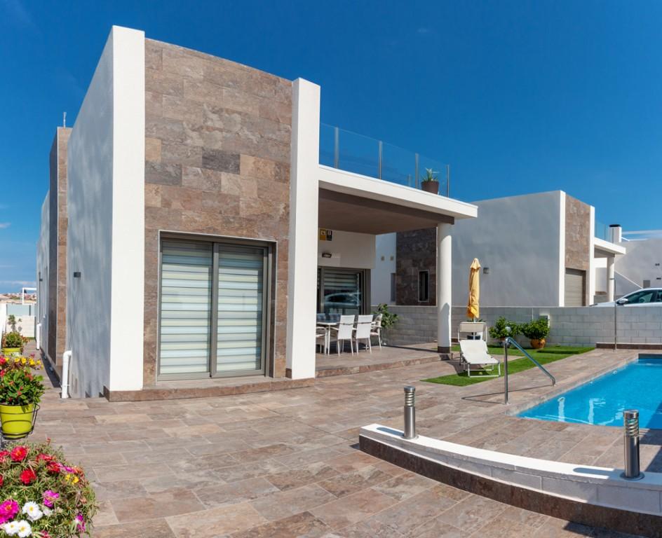 Ref:SSG-P2073 Villa For Sale in Villamartin